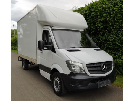 (1) (FNN) Mercedes-Benz - 313, 3.5T Luton Box Van
