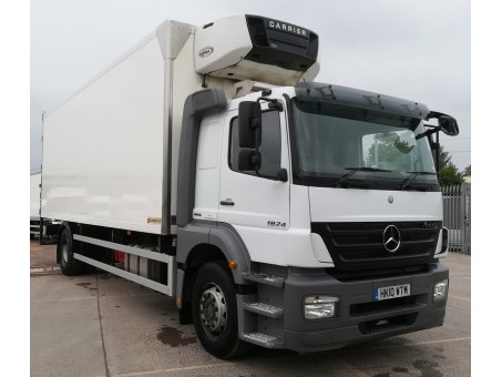 Mercedes Axor R 1824LS 18T Fridge with tail lift in White, 200,500