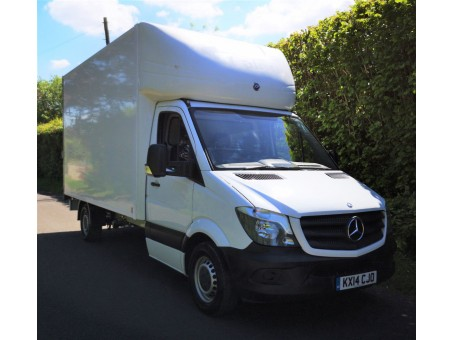 (1) (CJO) Mercedes-Benz - 313, 3.5T Luton Box Van
