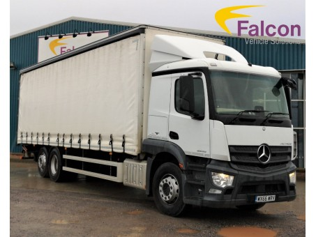 (1) (WRV) Mercedes-Benz - 26T Actros 2532 Curtainside with Tail Lift