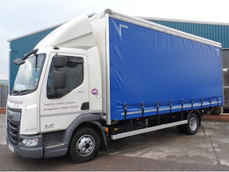 7.5 Tonne Curtainside Lorry