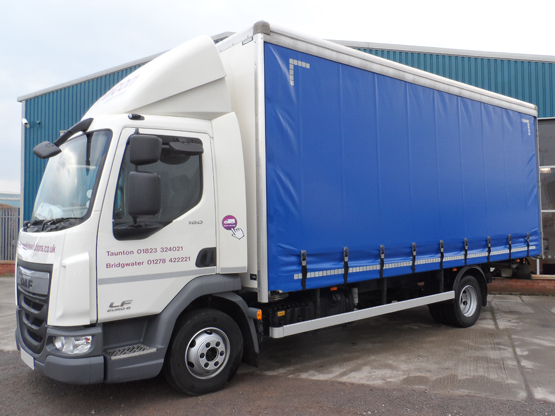 7.5 Tonne Curtainside Lorry 7.5 Tonne Lorries
